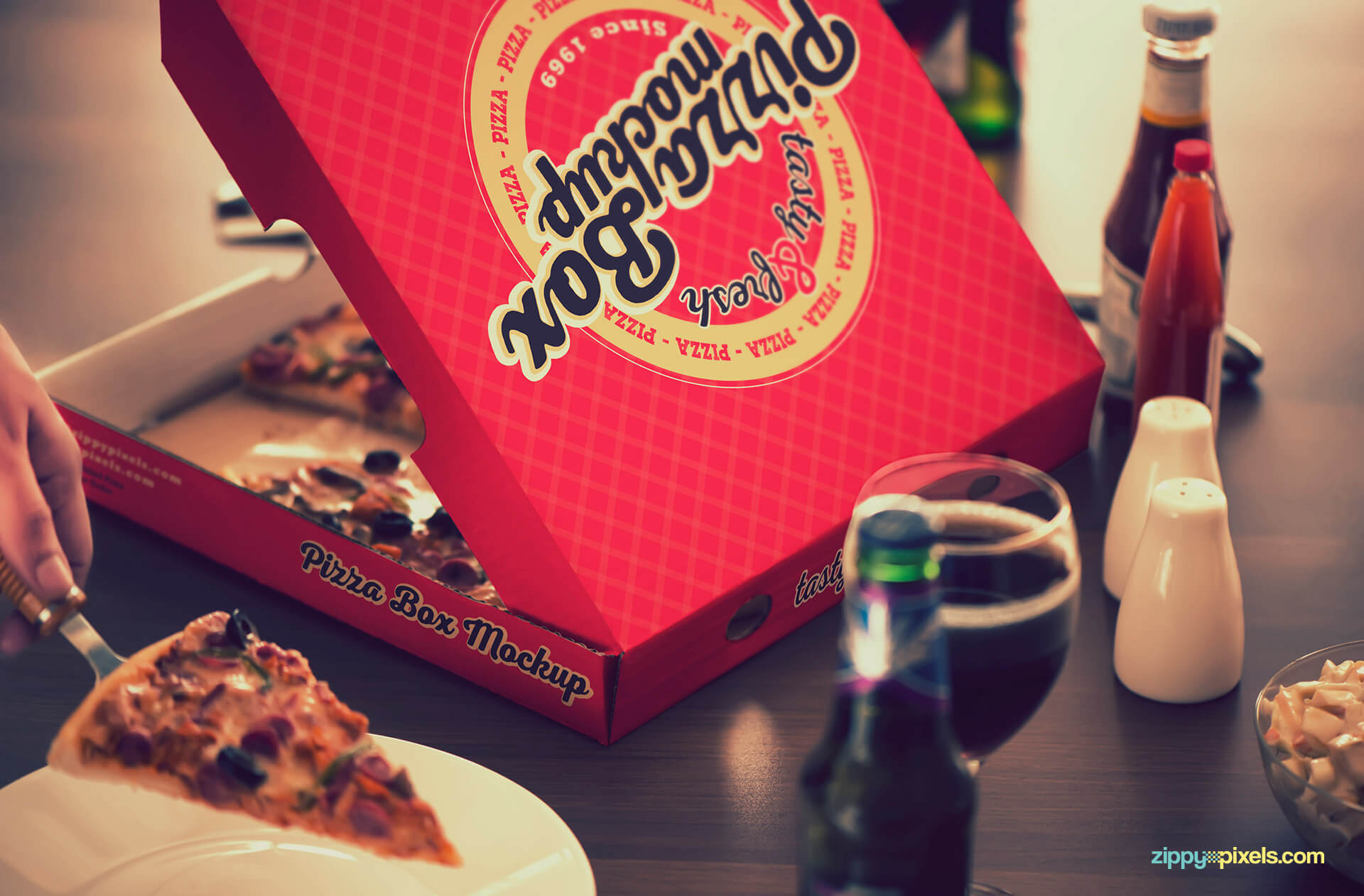 Pizza box mockup for packaging designs.