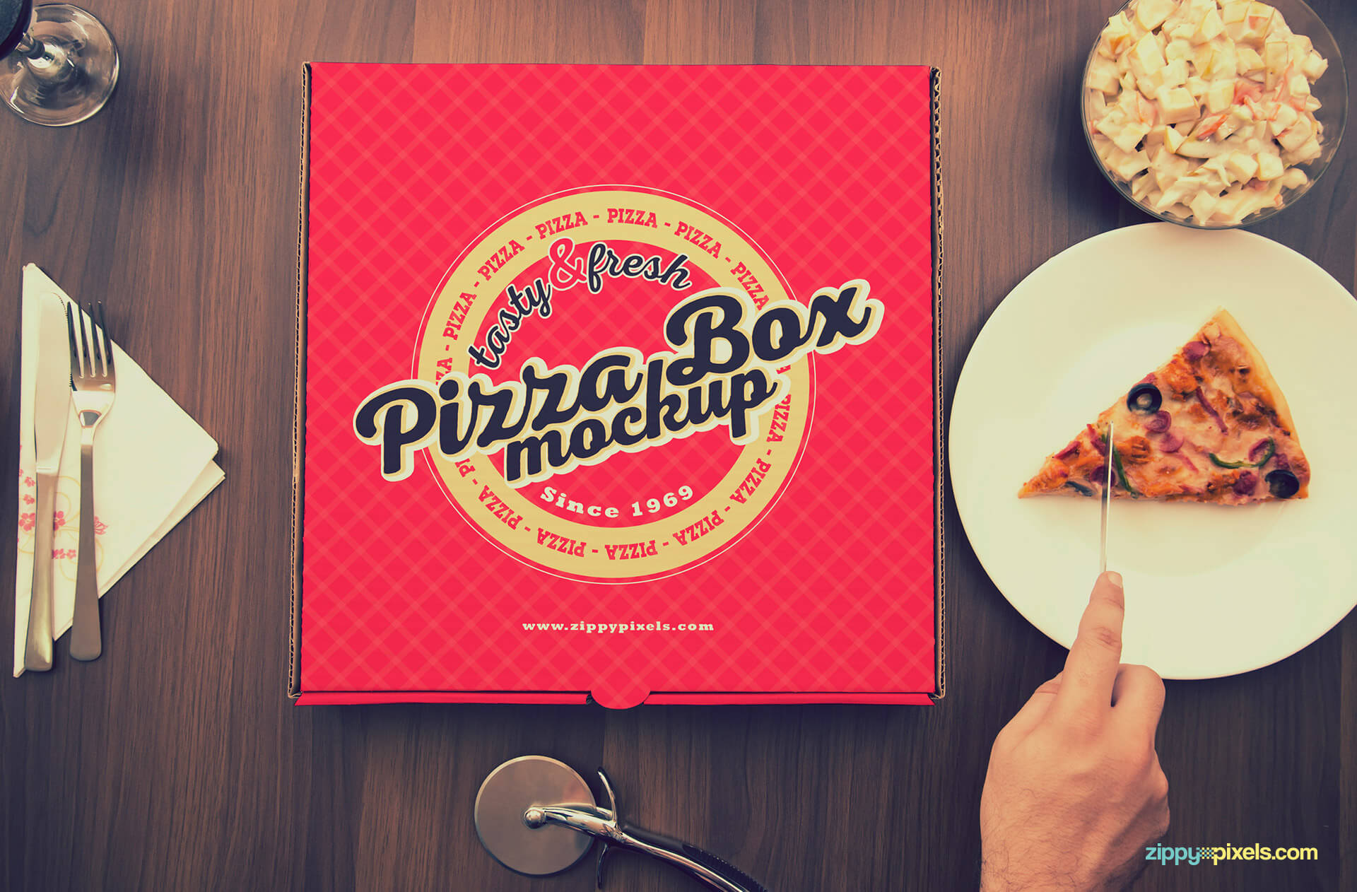 Red pizza box design.