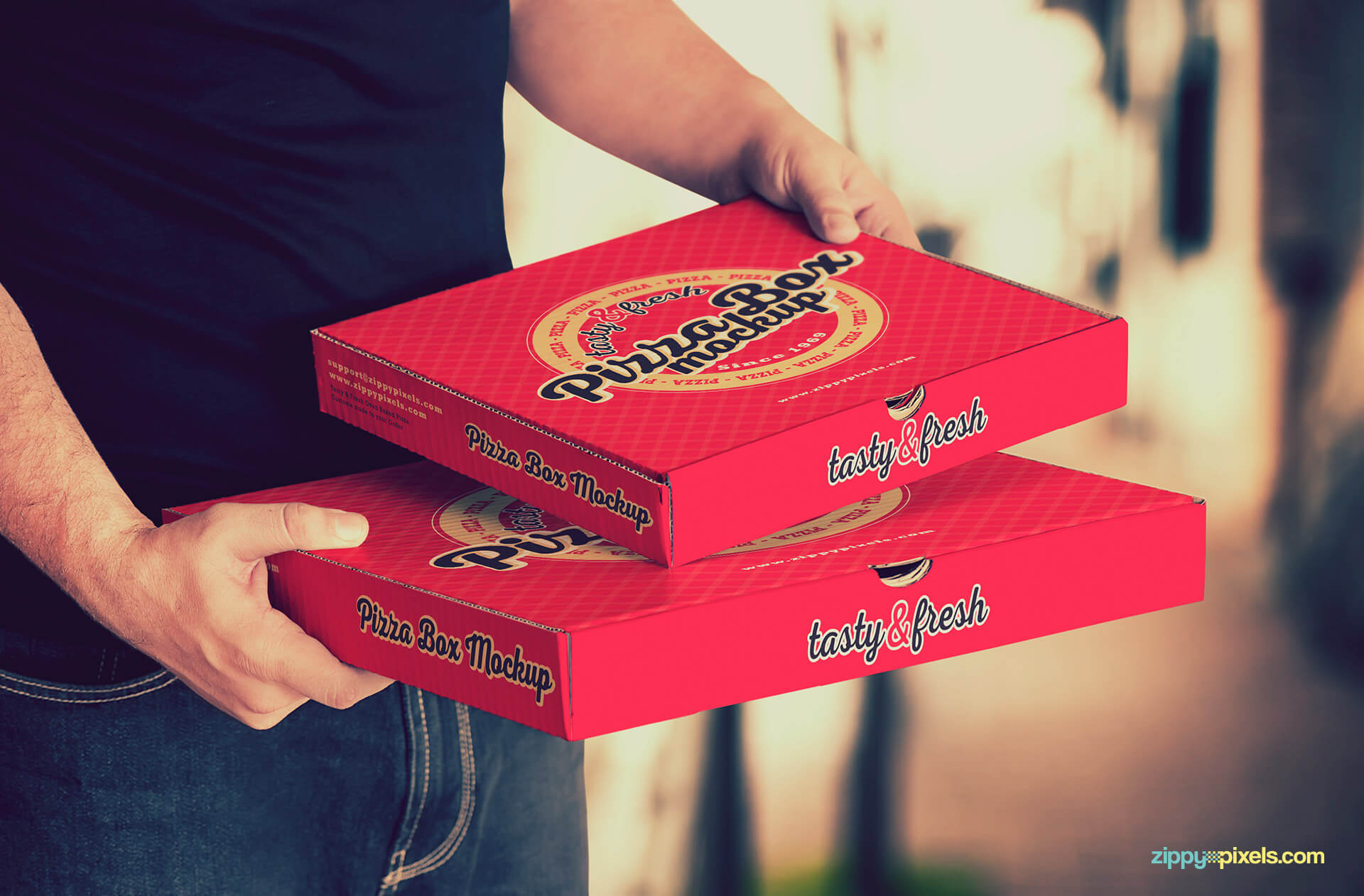 Impress your clients with these pizza box psd mockups.