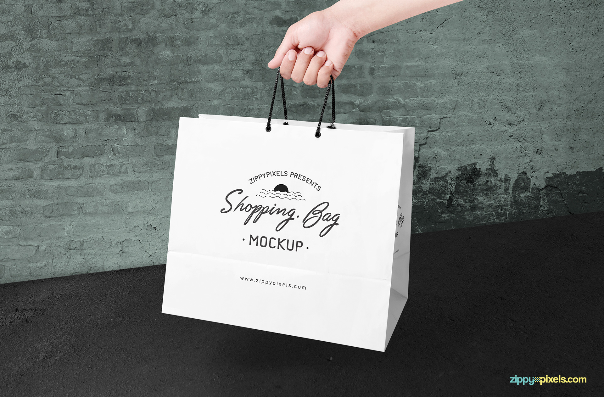 shopping-bag-paper-mockup-in-hand