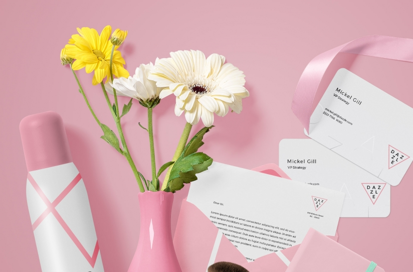 free vase mockup with color customizations