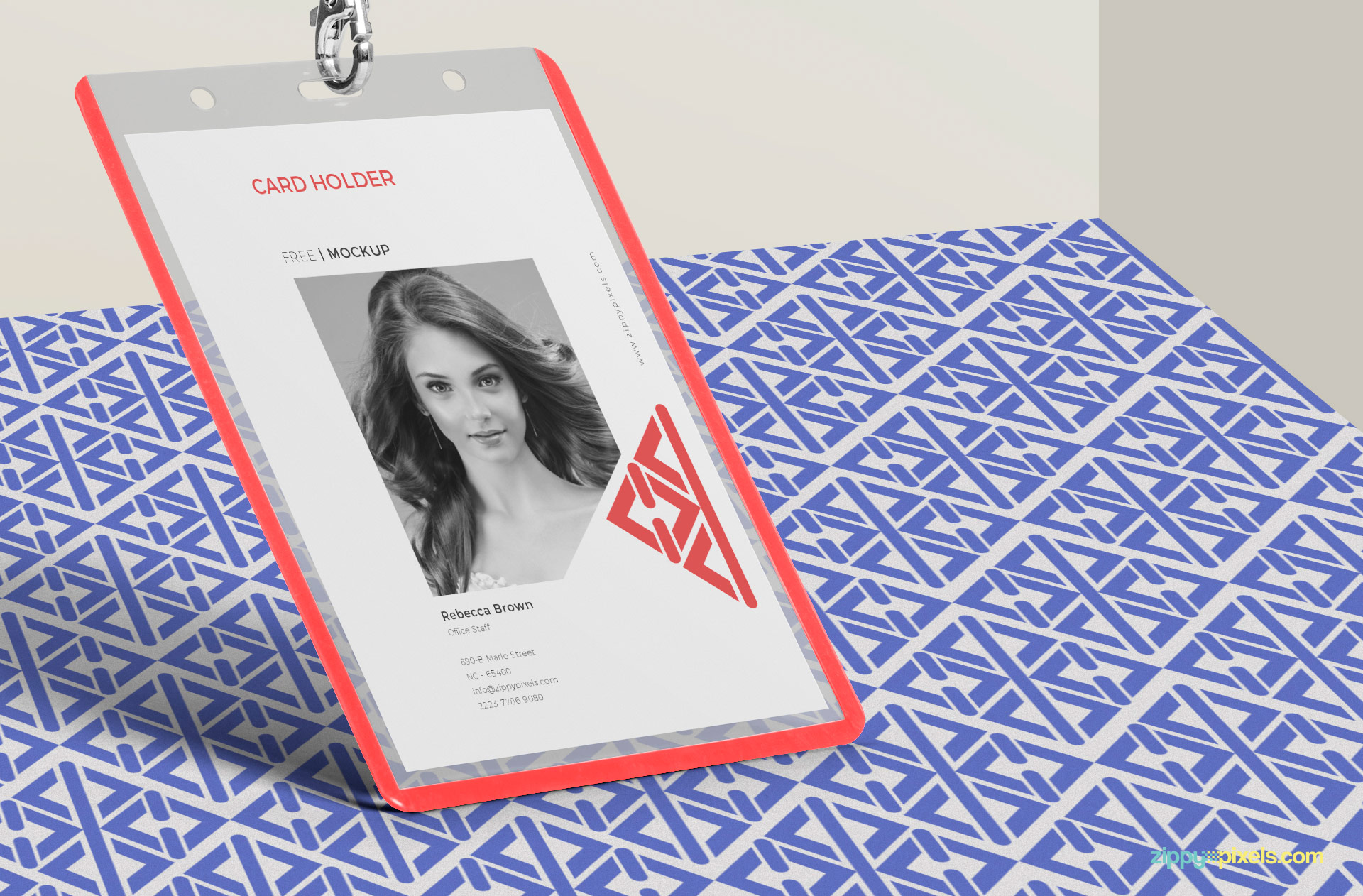 Change the design of the card with a single click using the smart object.