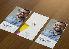 Free Appealing Flyer Mockup PSD