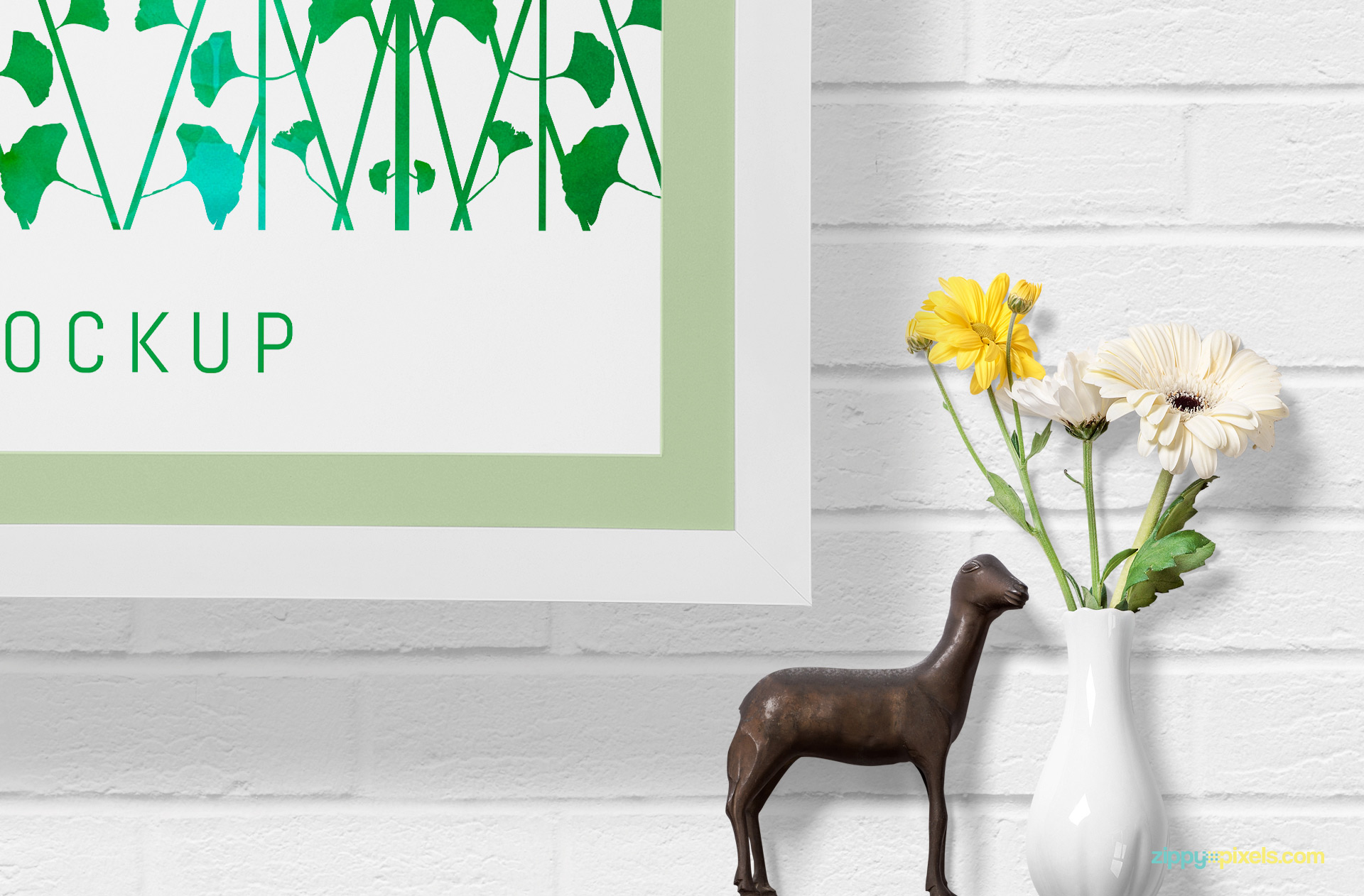 You can customize the effects and colors of horse and plant pot used for decoration.