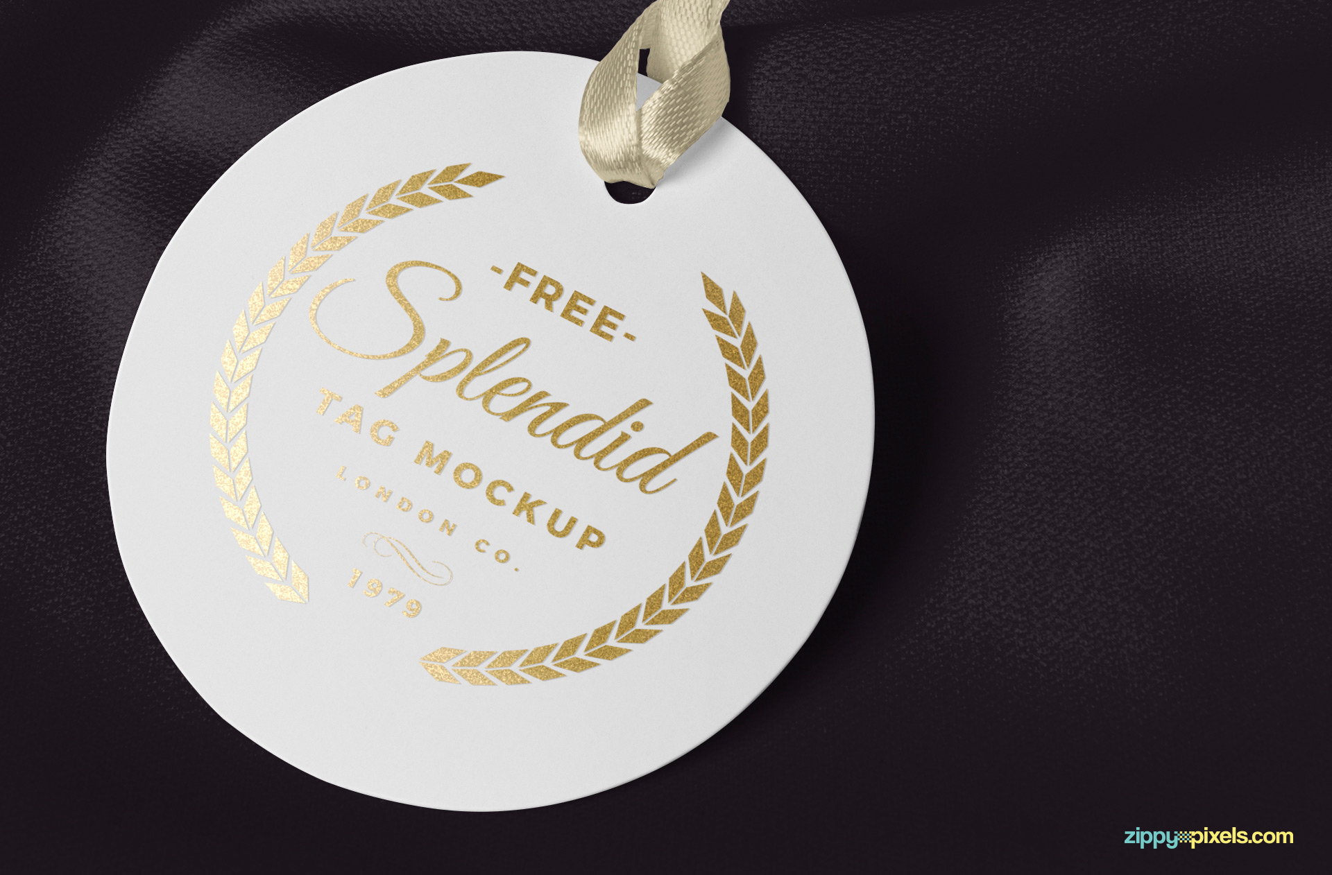 Gold foil effect of the tag mockup.