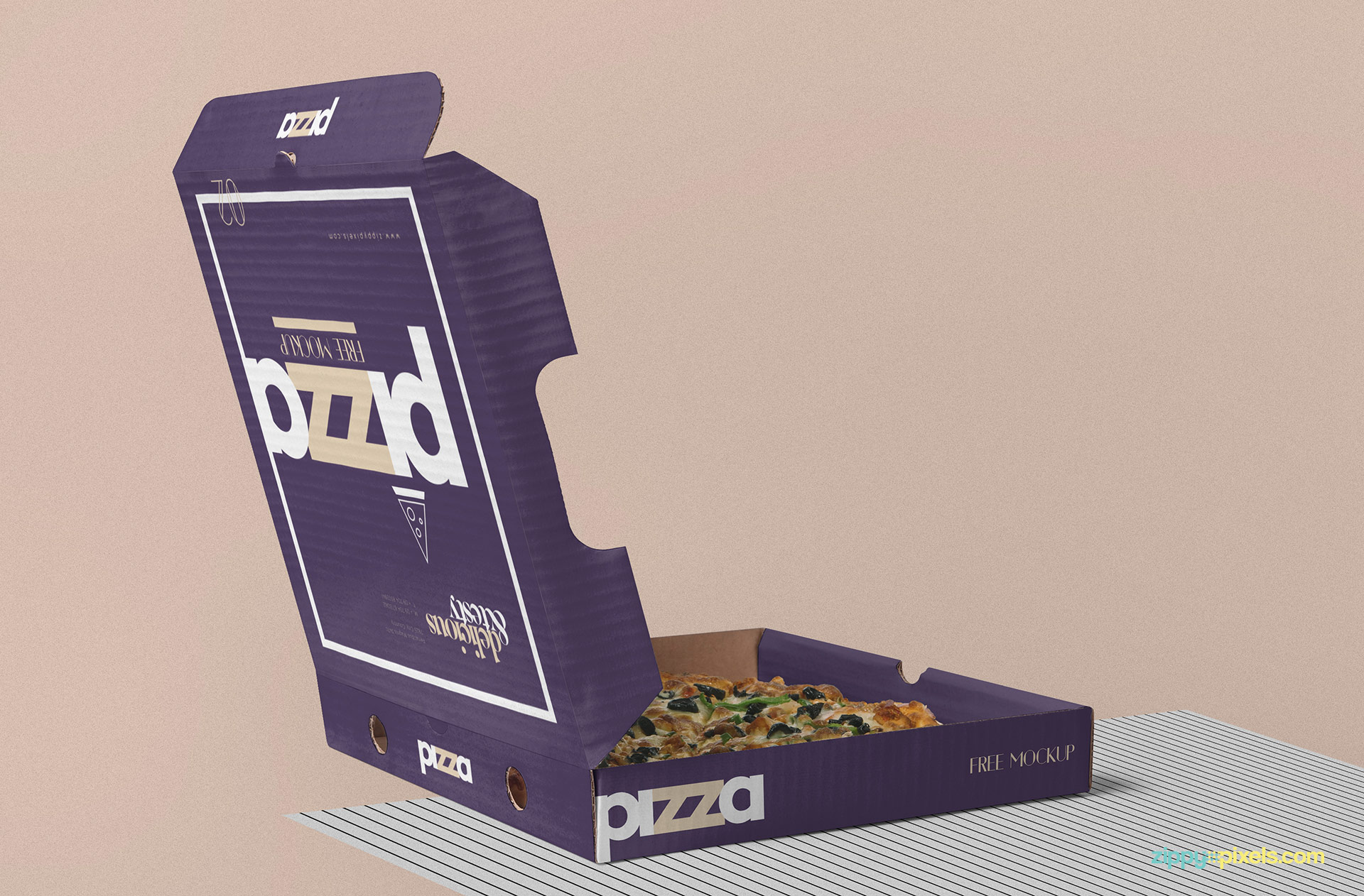 Free pizza box mockup PSD.
