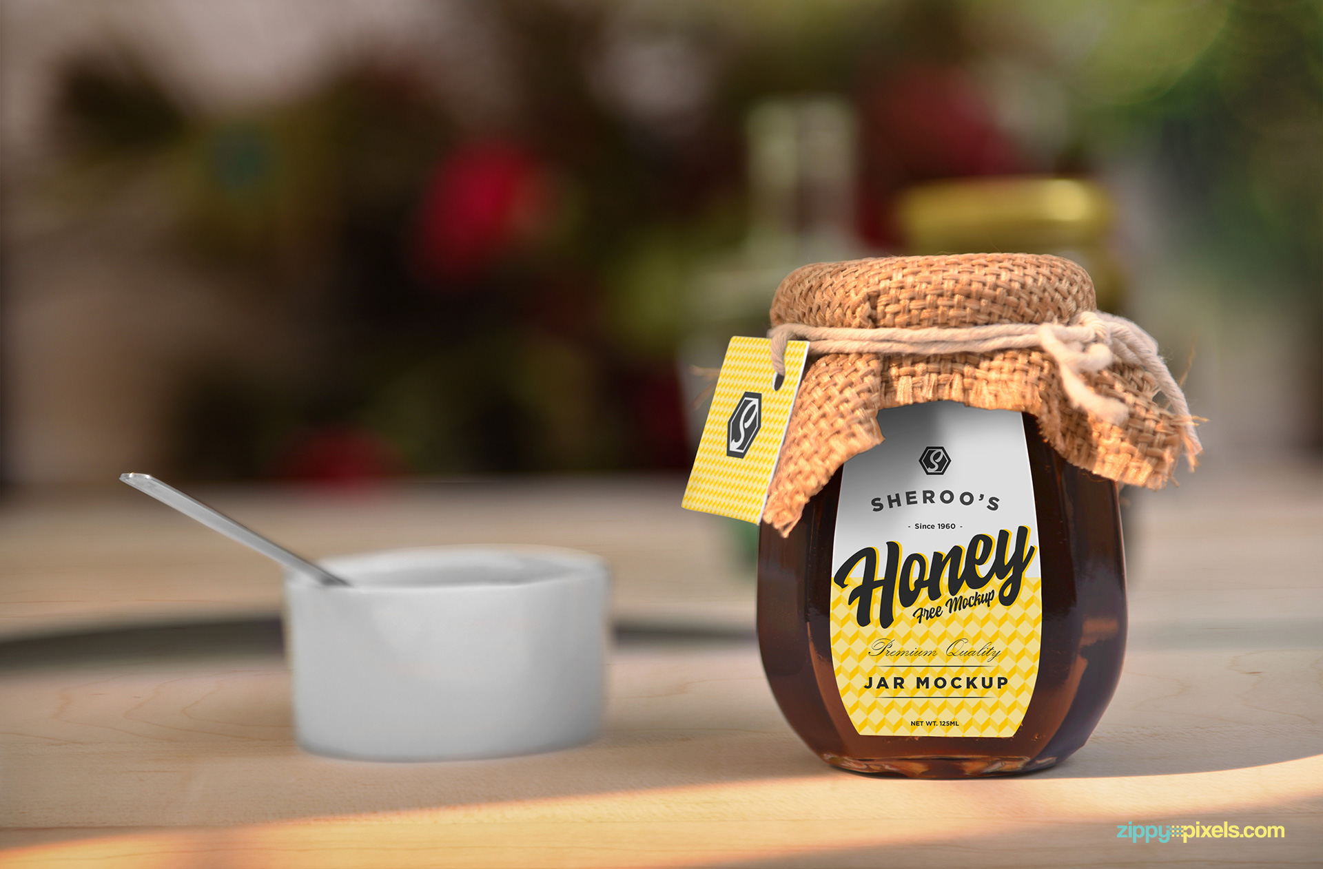 Free honey jar mockup.