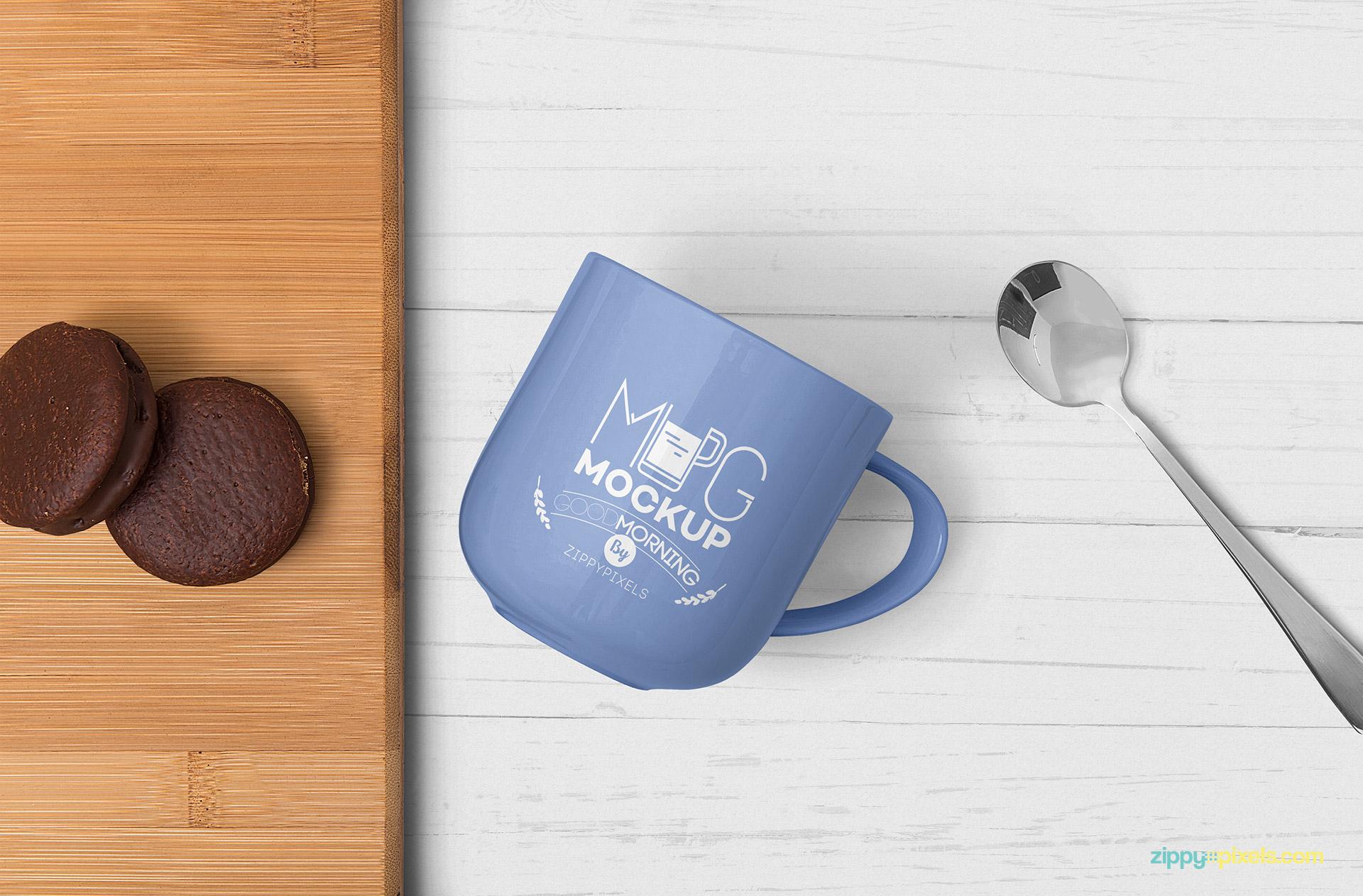 Lovely mug mockup free PSD.
