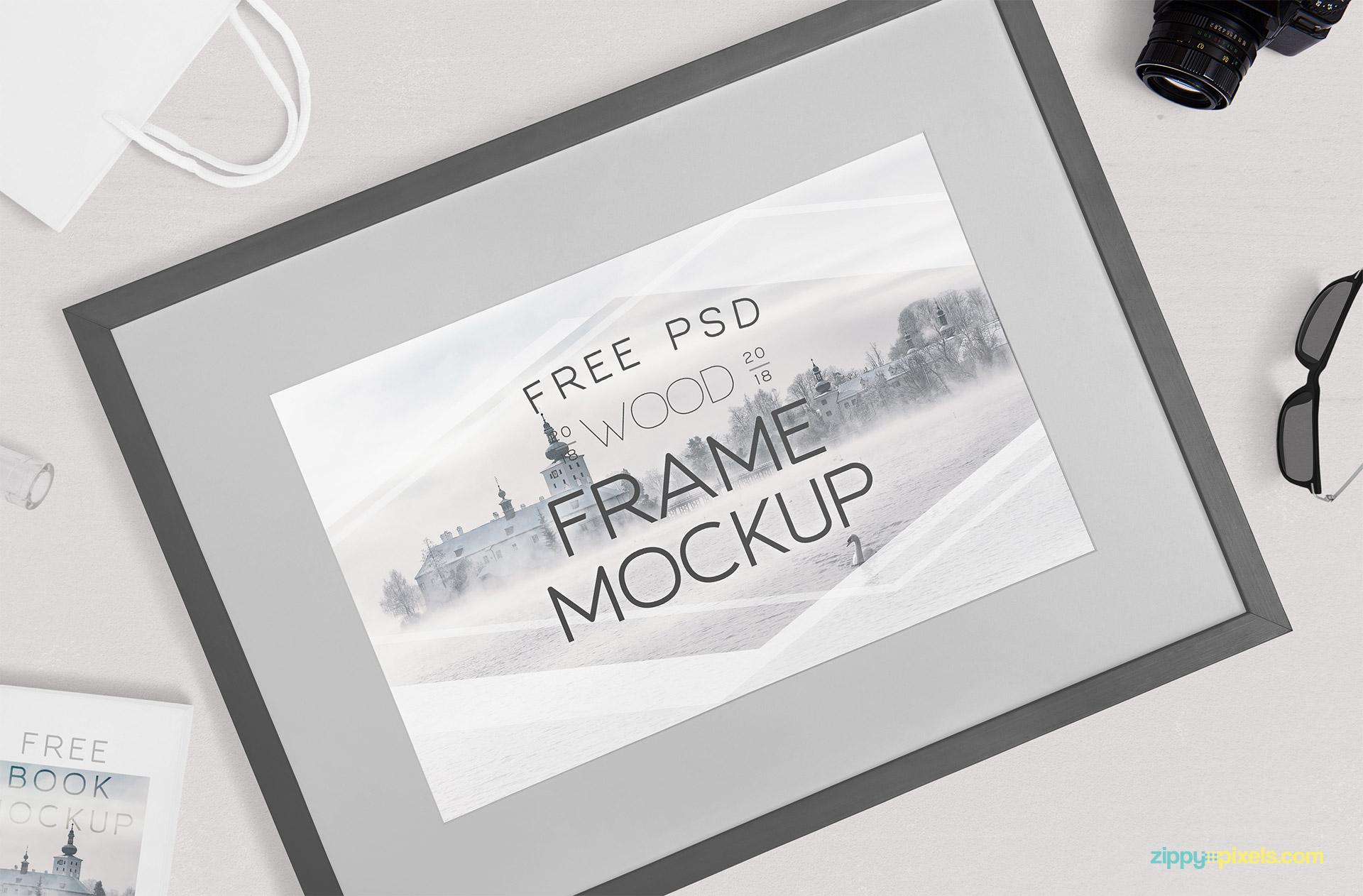 Free photography frame mockup.