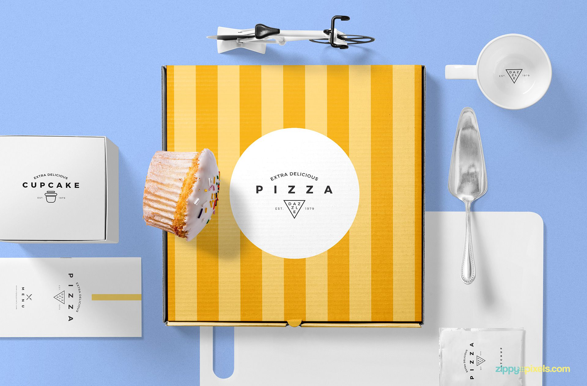 Pizza packaging mockup free PSD.