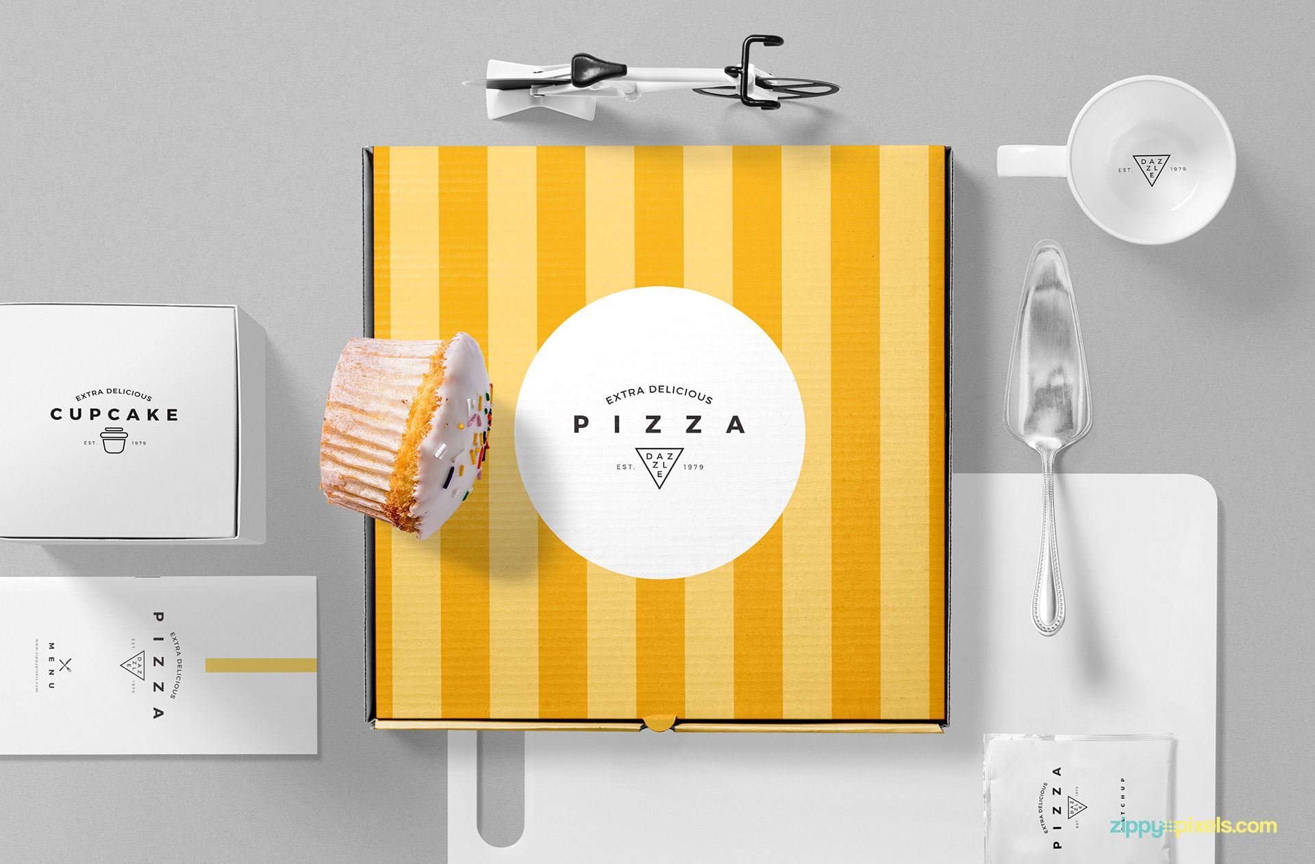 Free pizza box mockup.